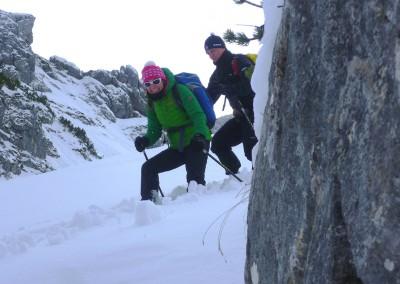 Schneeschuh wandern unter der Alpspitze
